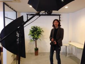 写真スタジオのカメラマン